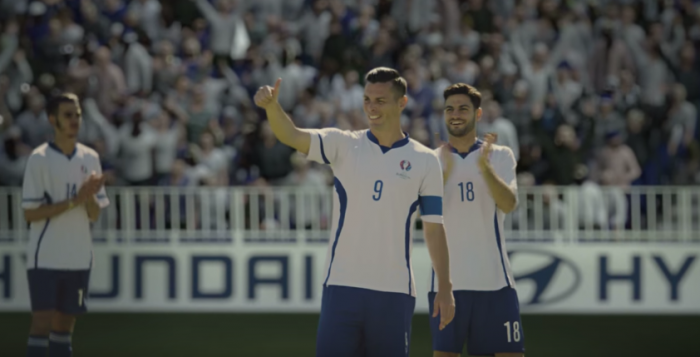 Automobilka Hyundai ako oficiálny sponzor UEFA EURO 2016 vie, že vášeň k futbalu pochádza z naozajstných fanúšikov a to bez ohľadu na vek.