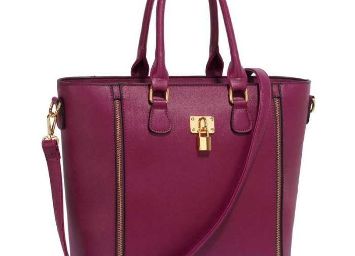 Spôsob, akým nosíte kabelku, o Vás veľa vypovedá