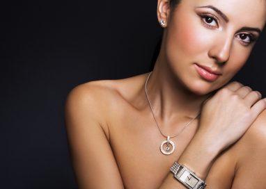 Prečo šperky z chirurgickej ocele? Aj pre toto…