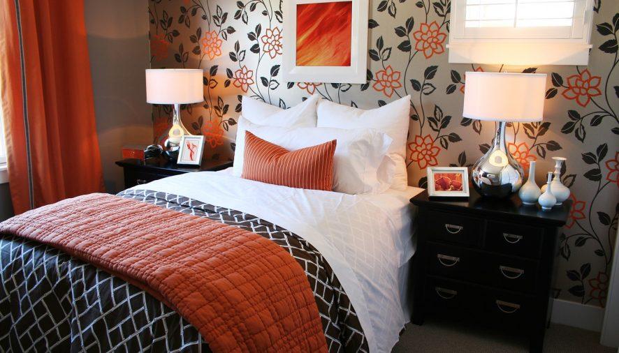 Moderné tapety osviežia každé bývanie: Viete, aké vybrať do spálne, kuchyne či obývačky?